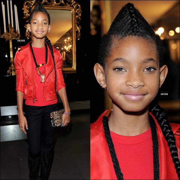 . 26 Septembre 2010 :   Willow Smith et sa mère Jada Pinkett  à la Fashion Week à Milan en Italie.  .