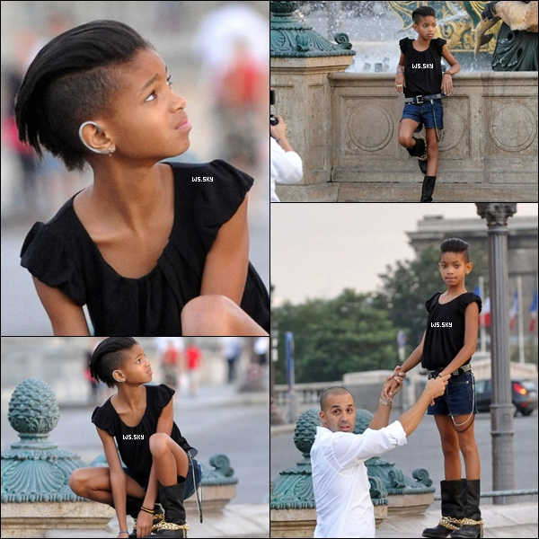 . 25 Juillet 2010 :   Willow Smith en mode poseuse réaliser un shoot en France à Paris. .