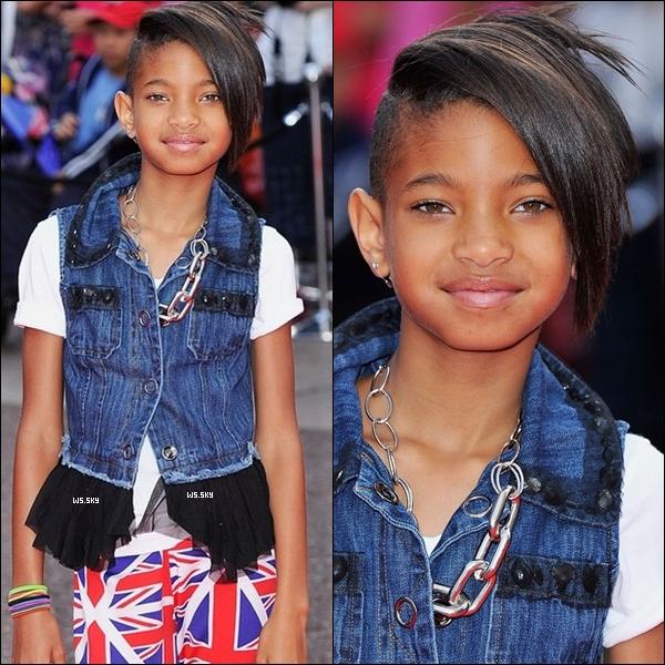 """. 15 Juillet 2010 :   Willow Smith très bien swagger, à la première de """"Karate Kid"""" à Londres. ."""