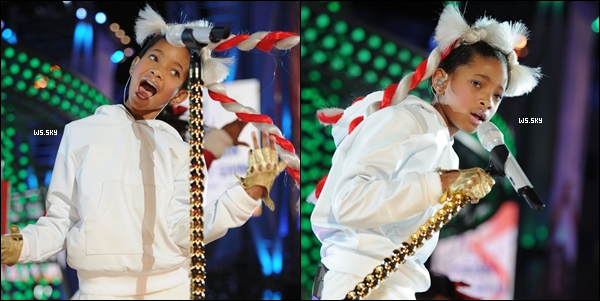 ". 04 Decembre 2010 :   Willow Smith performant WMH au ""Holiday Tree Lighting"" à (L.A.) VIDEO.  ."
