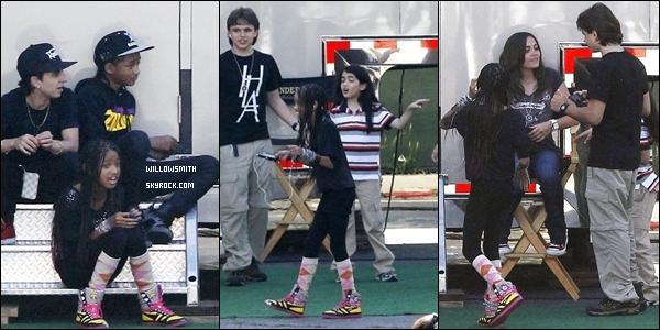 . 20 Mai 2011 :   Willow et Jaden sur le tournage d'un film, avec les enfants de MJ (Los Angeles). .