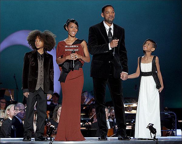 . 11 Décembre 2009 :   La famille Smith rendait un dernier hommage à Michael Jackson au Nobel Peace Prize concert. .