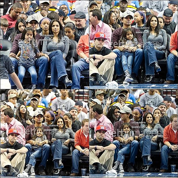 . ?/04 : Willow Smith et des amies ont assistées au match de Basket de Orlando Magic contre Philadelphia.   Je suis désolé si les photos sont tagués mais j'ai trouver que sa pour l'instant j'en mettrai des autres si j'en trouve biensûre.      .