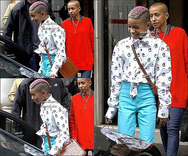 . 11/05 : Alors que le reste de la famille, était à l'avant première de MIB3 Willow elle quittait son hôtel dans Paris.    Côté tenue : Pour une fois je vais dire quelque chose de négatif mais je n'aiment pas du tout la tenue de Willow. Top / Flop?     .