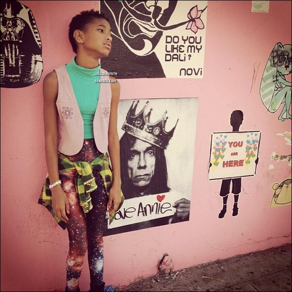 ......  Willow a posté de toutes nouvelles photos sur son compte Instagram. Nouveau look? Tu aimes?    ......