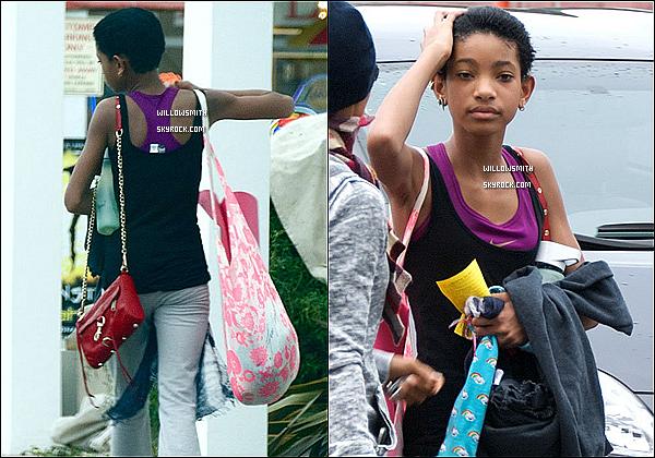 . 08/11 :  Willow à été aperçue par les paparazzi avec sa maman Jada Pinkett allant faire du Yoga dans Malibu. Top?  Côté look : Willow était en tenue de sport donc décontracté donc pas trop d'avis mais sa tenue lui va très bien j'aime beaucoup.    .