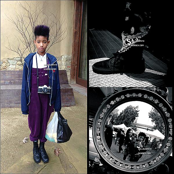 ......  Willow a posté de nouvelles photos personnelles en noir et blanc sur Tumblr.    ......