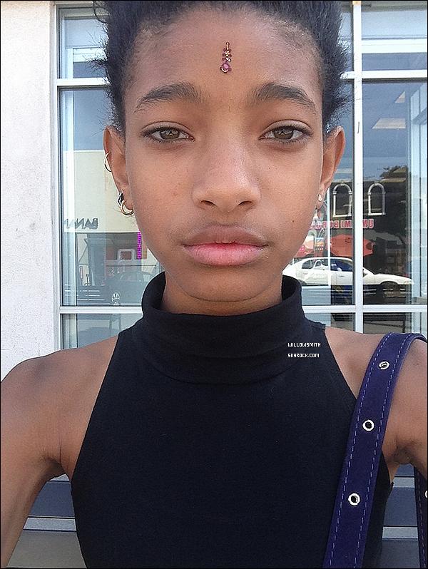 ......  Willow a posté une nouvelle photo personnelle sur son compte Tumblr.    ......