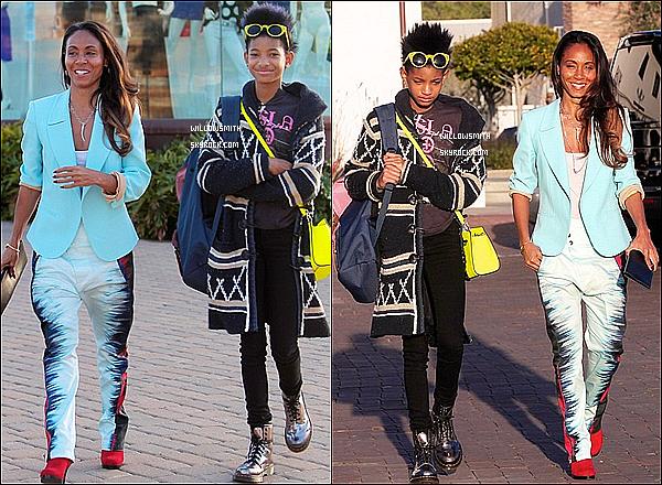 . ?/03 : Willow à été aperçue avec sa mère Jada faisant du shopping à Malibu. J'aime assez sa tenue elle était très belle et souriante en plus de cela. Top ou Flop?     .