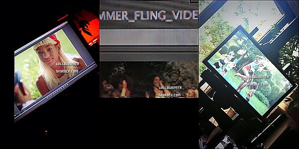......  → Finalement, nous avons appris que Summer Fling ne sortirai pas aujourd'hui, mais qu'un vidéo clip sortirai a la place, Aujourd'hui Willow et sa troupe étaient sur le set. Qu'en penses-tu?     ......