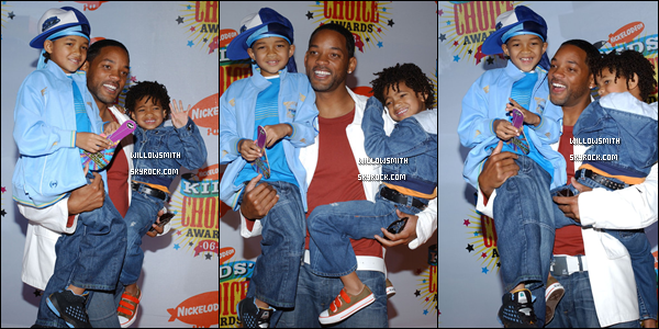 . 23 Avril 2001 :   La famille Smith au Nickelodeon's 19th Annual Kids' Choice Awards à Los Angeles. .