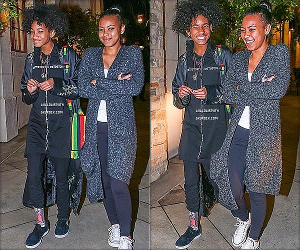 . 13/02 : Willow toute souriante devant les paparazzi à été photographiée avec Sydney Smith dans Los Angeles.  Première sortie de Willow de l'année 2014, je n'y croyais plus, surtout avec la nouvelle loi aux Etats-Unis ! Magnifique (l)   .
