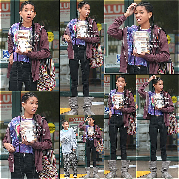 . 01/03 : Willow Smith à été photographiée avec Sydney allant ce chercher a manger à Whole Foods en (Californie).  Enfin un candid de Willow, Willow était vraiment magnifique, je suis totalement fan de sa tenue, c'est simple et décontracté. TOP!   .