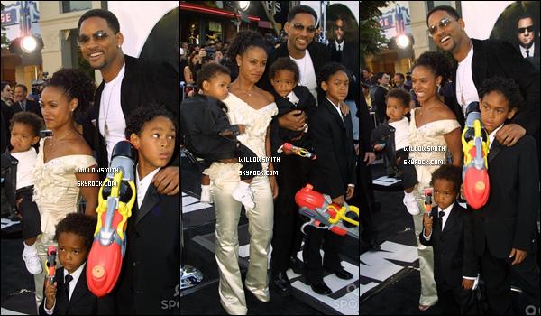 """. 26 Juin 2002 :   Willow et sa famille à l'avant première de """"Men In Black"""" à Los Angeles. ."""