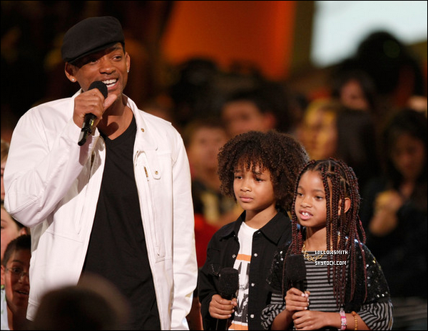 """. 29 Mars 2008 :   Willow et sa famille étaient aux """"Nickelodeon's Kids' Choice Awards 2008"""" à Los Angeles. ."""