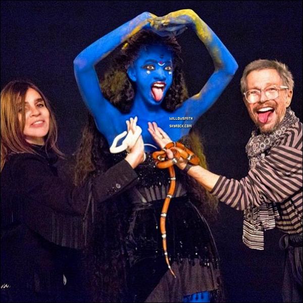 ......  Willow Smith en couverture du magazine « Harper's Bazaar » par Jean Paul Goude !   Willow a posé pour l'édition consacrée aux icônes de la mode pour le mois de septembre elle a représenter la déesse Kali. *-* *- ♥   ......