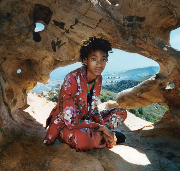 ......  Découvrez de nouveaux clichés de Willow Smith pour la revue anglaise I-D Magazine.   Willow a été coiffée par Marcia Hamilton et maquillée par Steven Aturo. Willow a répondue a plusieurs questions pour l'interview ! ......