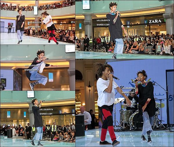 . 13/08 : Willow et Jaden ont fait une conférence de presse pour la marque MSFTS et ont donnés un concert à Dubai ! Willow a répondue a plusieurs questions pour une interview à lire ci dessous situé au Dubai Mall dans un grand centre commercial.     .