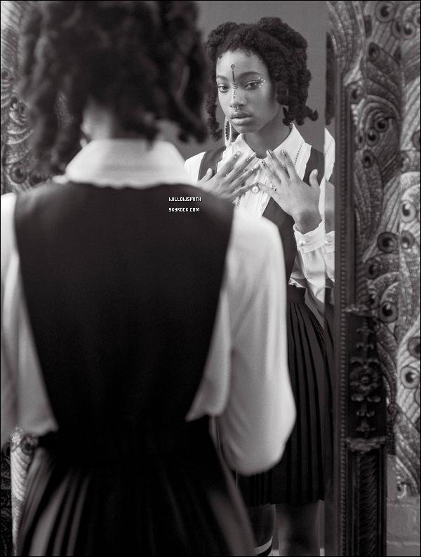 ......  Voici ci dessous de nouvelles photos de Willow pour la revue de « CR Fashion Book »  Willow est juste magnifique sur les nouvelles photos apparuent j'aime beaucoup ses tenues ! Et vous, vous aimez aussi les photos, une préférence ?!    ......