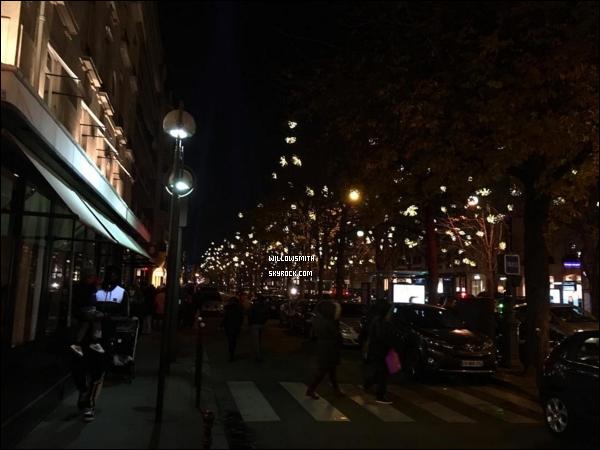 . Willow sublime pour le magazine VOGUE PARIS du mois de Décembre/Janvier 2017.  Willow a été photographié par les photographes Inez Van Lamsweerde et Vinoodh Matadin ♥ UNE DEESSE j'ai pas d'autres mots..        .