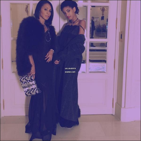 """. 06/12 : Willow était à l'événement du """"Chanel Collection des Metiers d'Art 2016/17 : Paris Cosmopolite à Paris, FR. Willow était simplement divine lors de cette événement les stylistes ont vraiment tout donner sa mise en beauté est trop parfaite !      ."""