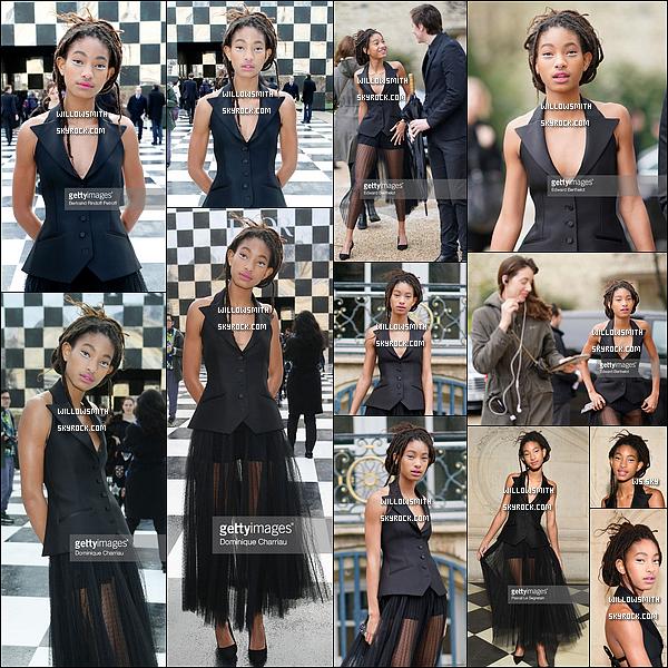 """. 22/01 : Willow au défilé de """"Christian Dior"""" pour sa collection Haute-Couture printemps-été 2018, à Paris, France.  Willow portait un eye-liner en argent sous ses yeux avec une sublime robe de la maison Dior. L'événement a eu lieu tôt dans l'après-midi !    ."""