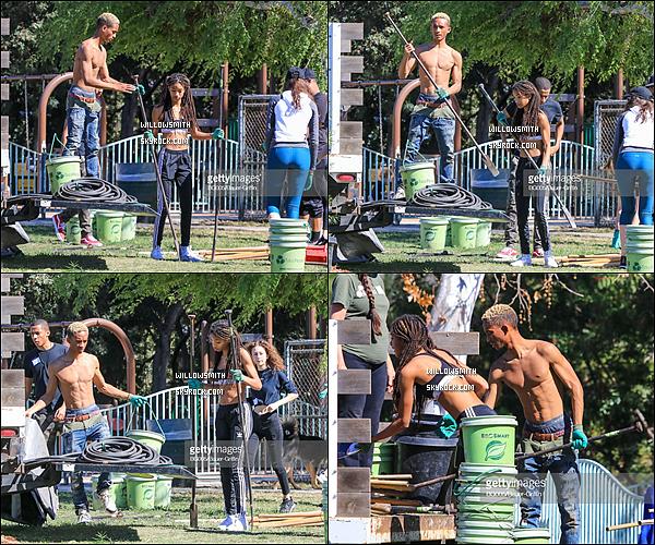 . 16/02 : Willow et son frère Jaden ont été photographiées en train de faire une bonne action à Studio City dans L.A.  Les frères et s½urs ont pris des pelles et creusé dans le sol pour planter des arbres et ils ont été rejoints dans cette tâche par leurs amis !    .