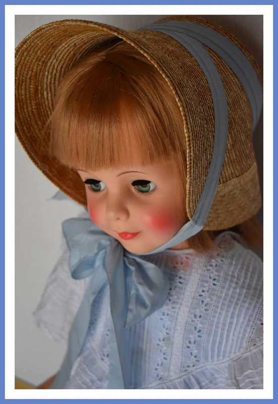 Déjà vendredi....Lily-Rose vous souhaite un bon WE......