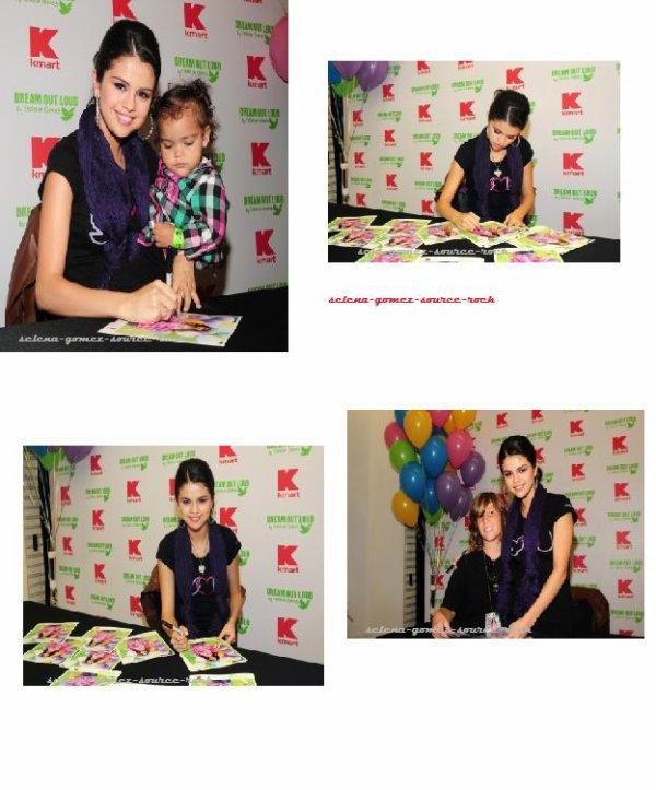 Selena Gomez à une séance de dédicaces pour la marque Dream Out Loud