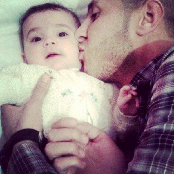 ( Assinat) Ma petite nièce trop mignonne <3 Allah yahfadha