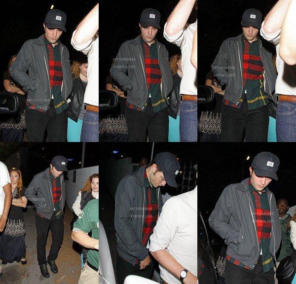 20 Juin 2012 : Robert à Los Angeles    Il a été vu au concert de Metric au El Rey Theather.