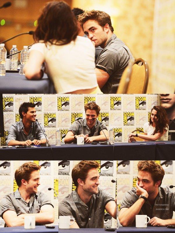 12 Juillet 2012 : Comic Con Breaking Dawn 2 (1)    Voici la conférence de presse dont Rob, Kristen, Taylor Lautner, Mackenzie Foy et Stephenie Meyer ont pu répondre aux questions des journalistes.