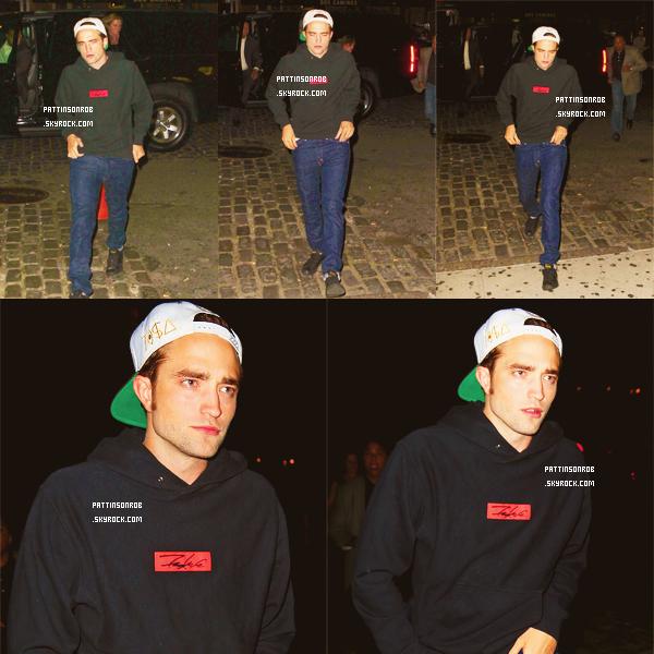 14 août 2012 : Robert et David font sonner les cloches de la bourse de New York.    Robert est toujours aussi beau. Et encore une fois j'adore sa tenue :p