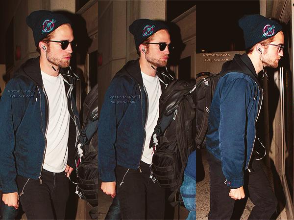 17 Octobre 2012 : Robert et Kristen à Los Angeles.     Bon la, c'est officiel je pense ! J'éspère que Robert ne le regrettera pas. L'essentiel c'est qu'il soit heureux.