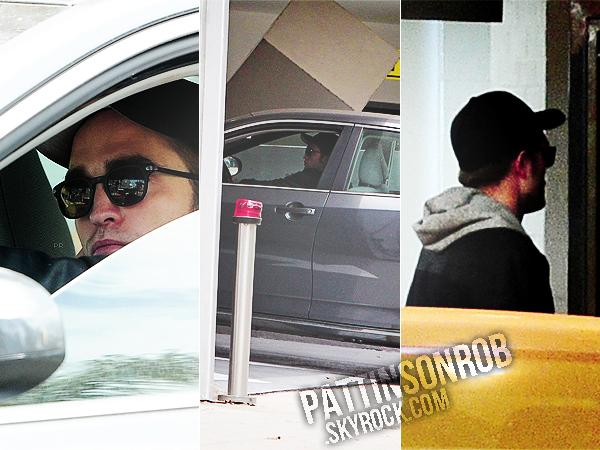 23/05/13 || Robert dans sa voiture dans LA. Cette fois il est fraichement rasé !