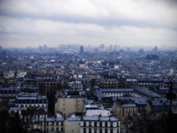 Paris, c'est fini... et dire que c'etait la ville de mon premiere . . .