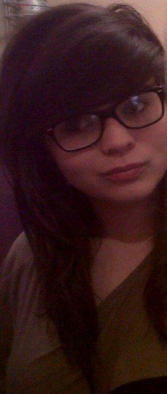 ~ Le sourire est la meilleure arme pour cacher ses peines et ces souffrances..♥