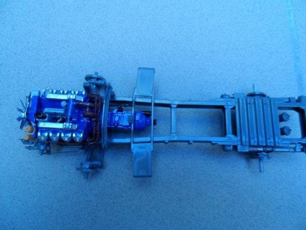 le chassis et son v8