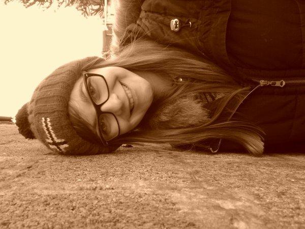Une meilleure amie c'est une soeur que la vie a oublié de nous donner.♥