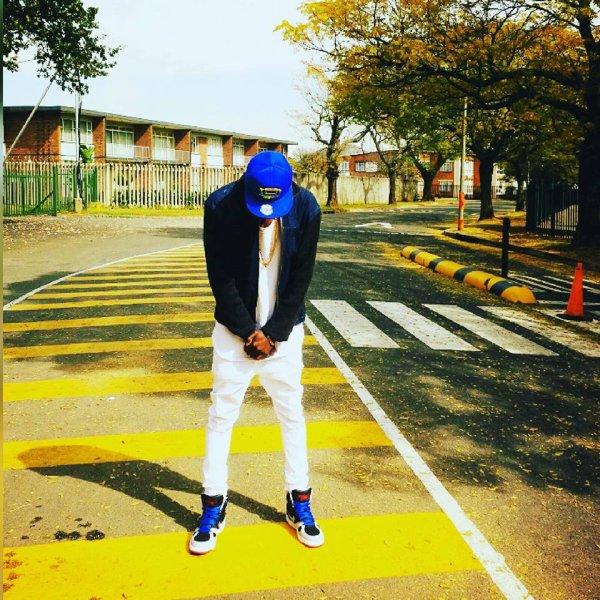 elmaze,la star mondiale , rappeur de l'hiphop rnb Mondial