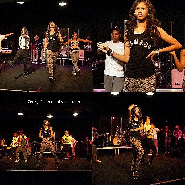 """.28 Juillet : Z. et son cast de """"Shake It Up,Tour"""" allait faire une répétition.."""