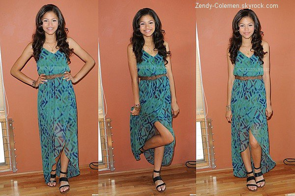 .06.09.2012 : Zendaya était en compagnie de Debby Ryan à une Fashion Week au West D'Hollywood..