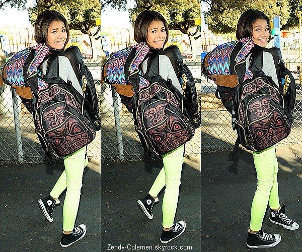 .01.10.2012 : Zendaya c'es rendu dans une école primaire,pour donnée des affaires..
