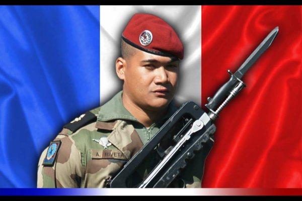 Le chasseur Albéric Riveta, 23 ans, a trouvé la mort dans la nuit de vendredi 17 au samedi 18 juin au cours d'un saut opérationnel au Mali  Hommage à lui