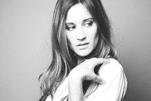 Interview de Maeva Méline, 31 ans, chanteuse