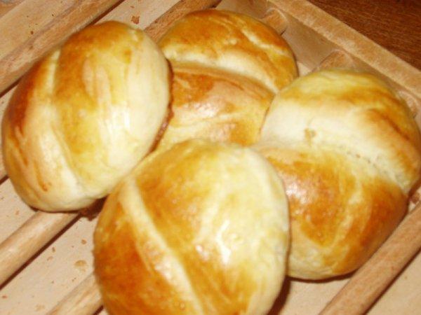 petits pains au lait et à la cannelle