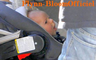13 Février: Flynn de sortie avec son papa