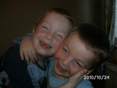 Arnaud et son petit frère Olivier