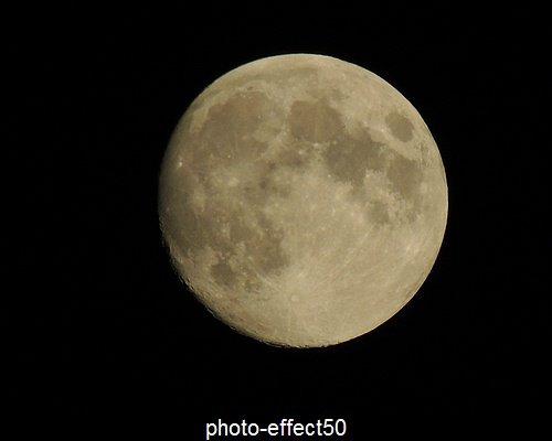 """""""La lune est le rêve du soleil""""  {Paul Klee}"""