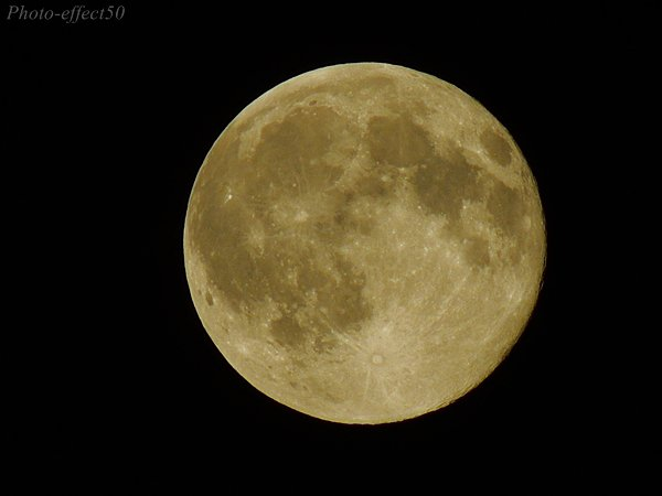 "Pleine lune dite:""lune bleue"""